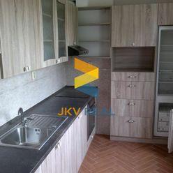 JKV REAL ponúka na predaj 3i byt na ulici Škarvana