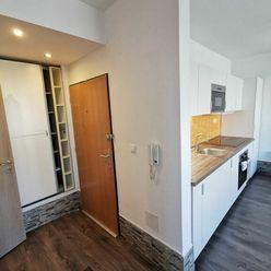 Ponúkame na predaj 2 izbový byt zariadený v štandarde, rozloha bytu je 44m2 + 4m2 balkón