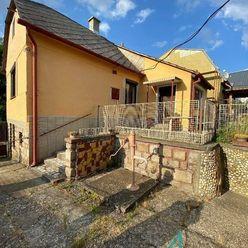 Romantický domček v centre Marianky.