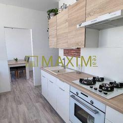4- izbový byt na Dúdvažskej ulici aj s  garážou v cene