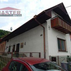 MASTER REAL- Na Predaj rodinný dom s garážou, Nitrianske Sučany, okres Prievidza