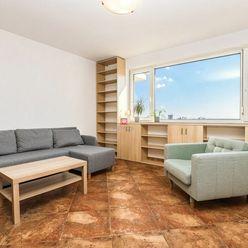 HERRYS - Na prenájom priestranný 2 izbový byt so samostatným šatníkom, pivnicou a uzavretým garážový