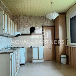 Predáme veľký 4 izbový byt na Nitrianskej ulici v meste Zlaté Moravce