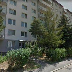 PREDAJ- 3 izb.  byt,84 m2, balkón, ul. Jašíkova, BA Ružinov. Možnosť prerobiť na 4 izb.