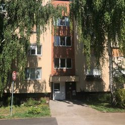 3. izbový tehlový byt na západe!