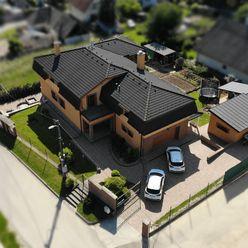 Veľký nadštandardný rodinný dom v Mníchovej Lehote