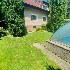 Dom v centre Piešťan, pri Váhu s bazénom - rezervované