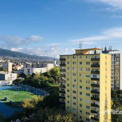 Predaj - garsónka s balkónom, Nitra - centrum