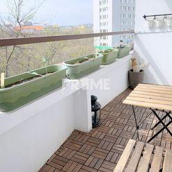Pekný 2i byt, REKONŠTRUKCIA, 2 X LOGGIA, Poľná ulica, Staré Mesto