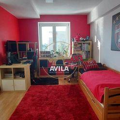 Na predaj veľký 3-izbový byt 80m2 s logiou, Hospodárska ulica Trnava