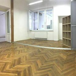 NA PRENÁJOM: Kancelárie s veľkou výmerou 120 m2 priamo v centre