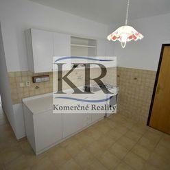 Veľkometrážny 3 izbový byt po rekonštrukcii v Sládkovičove na predaj