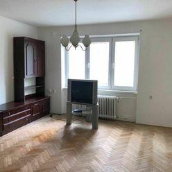 Prenájom veľkého 2 izb. bytu v Trnave - Študentská