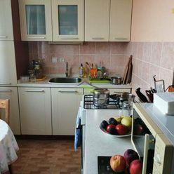 Exkluzívna ponuka  1 izbový byt s balkónom na sídlisku Východ.