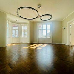 NA PRENÁJOM: REPREZENTATÍVNY, výnimočný priestor v centre Trnavy s  výmerou 120 m2, terasa