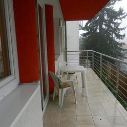 IMPREAL »»» Staré Mesto »» Zariadený 3 izbový byt s terasou v rezidencii len so 4 bytmi » cena 750,-