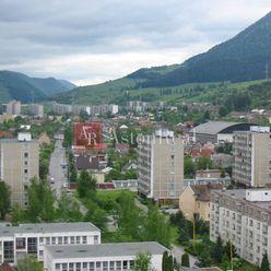 Hľadám pre klienta 3-izbový prerobený byt v Ružomberku - Baničné