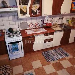 Starší rodinný dom so slnečným pozemkom, 640 m2, Tomášikovo, okr. Galanta.