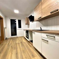 Na predaj 3 - izbový byt v Trenčianskych Tepliciach, 2 balkóny, 72 m2.