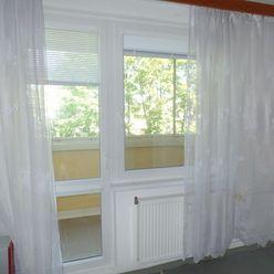 3 izbový byt v centre Senice na predaj