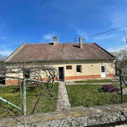 Pekný, čiastočne zrekonštruovaný vidiecky dom v Mierove