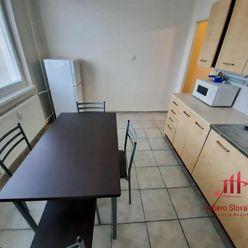Veľký 1 izbový /41 m2/ byt, Komárno, Seressa