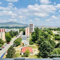 Predaj veľký 2 izb. byt, 2 balkóny, Jurkovičova ul.