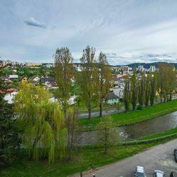Predám 3 izbový byt s krásnym výhľadom v širšom centre Popradu
