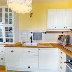 Directreal ponúka 2 izbový pekne zariadený a zrekonštruovaný byt s logiou a balkónom, TOP LOKALITA R