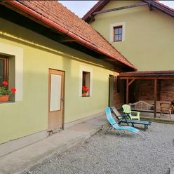 Dvojgeneračný rodinný dom v Turanoch