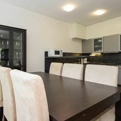 Priestranný 3-izbový byt v Horskom parku