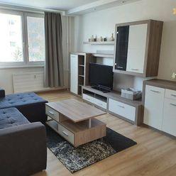 Prenajmeme zrekonštruovaný 3-izbový byt, sídl. Lúky, Vráble