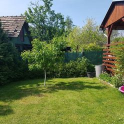 Na predaj krásny slnečný pozemok 717 m2 - Veľký Grob