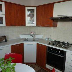 Ko-real, ponúkame na predaj 3 izbový panelový byt v Novom Meste nad Váhom