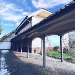 CASMAR RK - VIRTUÁLNA OBHLIADKA - Rodinná vila s bazénom, saunou, 6+áut - 528m2 + pozemok 1065m2