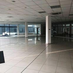 Prenájom 390 m² showroomových priestorov na Rožňavskej ulici