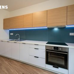 Bývajte prví v novom 4 izbovom byte na Kolískovej ulici s výhľadom do parku.
