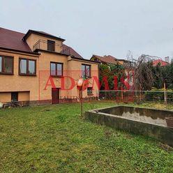 ADOMIS - Prenájom 3-ízbový rodinný dom,rekonštrukcia,120m2, parkovanie pre 4autá vo dvore, veľká záh