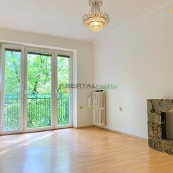 Prenájom - 2-izbový byt s balkónom, Americká ul., BA - Nové Mesto