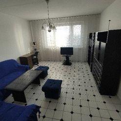 Priestranný 3 izbový byt na prenájom v Karlovej Vsi