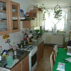 Ko-real, ponúkame na predaj 3 izbový byt v obci Nová Ves nad Váhom