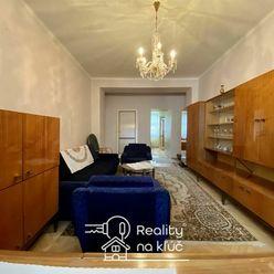 Na predaj tehlový 3-izbový byt s balkónom v centre mesta v Nových Zámkoch