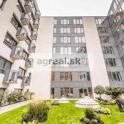 Zariadený 1-izb. apartmán v novostavbe Metropolitan Star - Nám. 1. mája, možnosť parkingu