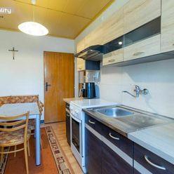 REZERVOVANÉ Predaj 2 izbový byt s balkónom, ulica Pod Lesíkom, Šarišské Michaľany