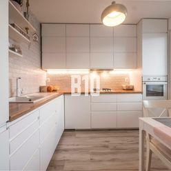 MODERNÝ -  3 izbový byt na Jasovskej ul.