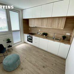 REZERVOVANÝ Lietavská - Petržalka, 3i byt, samostatné izby, možnosť prerobiť na 4 izbový, pôvodný st