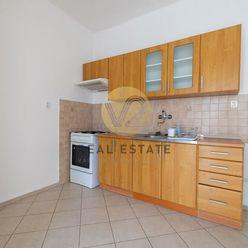 Prenájom –1-izbový byt v úplnom centre, Nitra-Staré mesto