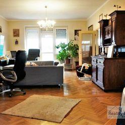 Veľký 3i byt v centre, 90 m2 + terasa 40 m2 + balkón 5 m2, krásny výhľad, Šancová ul., Staré Mesto