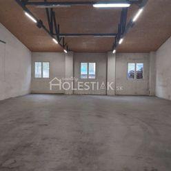 Dám do prenájmu dva samostatné priestory 150 m2 a 250 m2 v Čadci