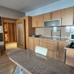 Klimatizovaný, zariadený 2i byt so šatníkom, loggia, Wilsonova ul.